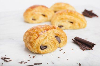 """El pan de chocolate o """"pain au chocolat"""" es un clásico de la pastelería francesa"""