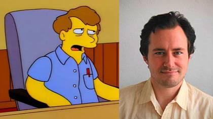"""Bill Oakley apareció junto a dos de sus compañeros en un episodio de Los Simpson, simulando ser un escritor de Tommy y Daly durante el debate sobre la creación del perro """"Poochie"""""""