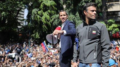 """López defendió el levantamiento del 30 de abril de 2019 como una acción cívico-militar y defendió la legitimidad de Juan Guaidó como """"presidente encargado"""" de Venezuela. (REUTERS/Manaure Quintero)"""