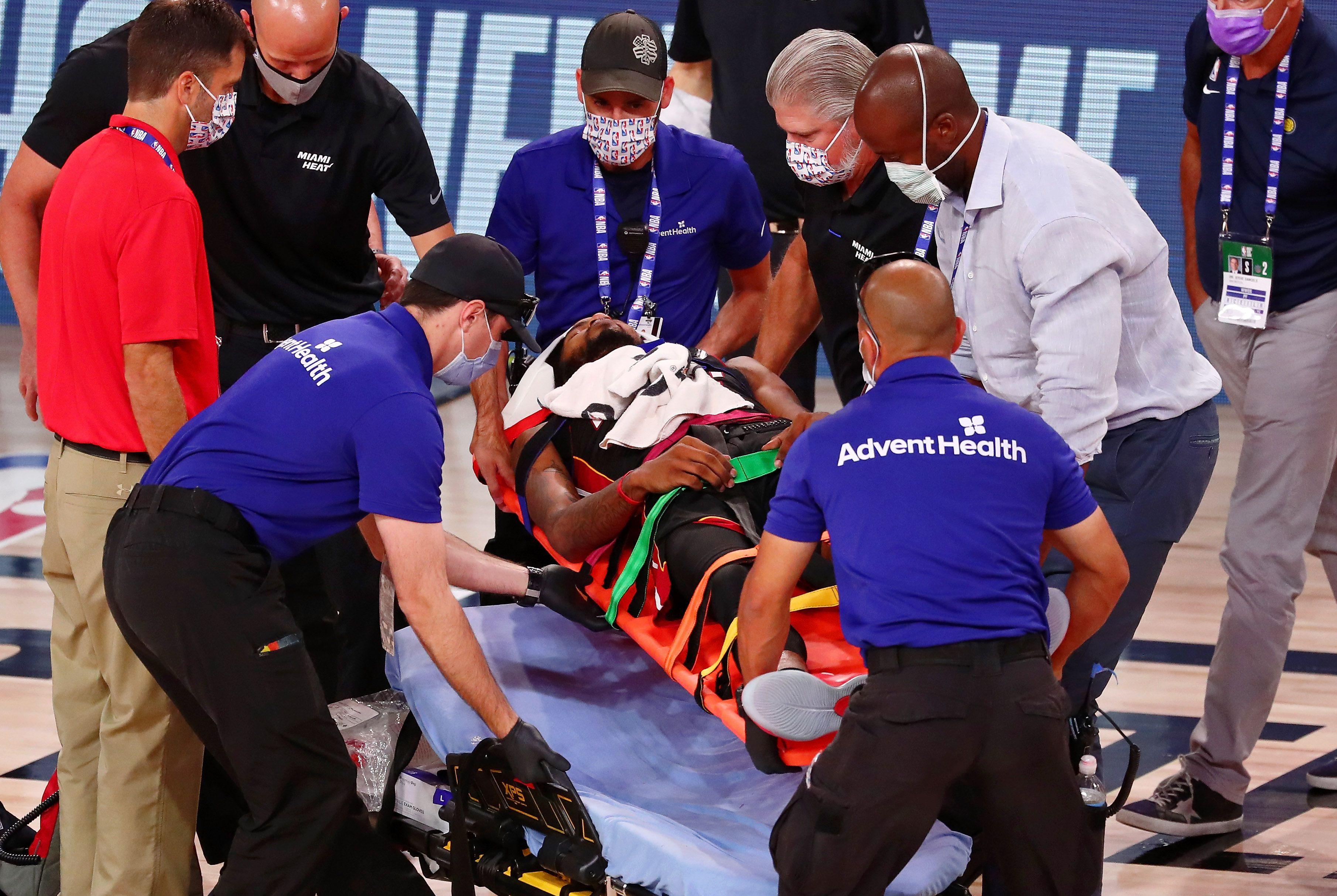 Jones Jr terminó con una distensión en su cuello, según informó el Miami Heat en su informe médico (Kim Klement-USA TODAY Sports)