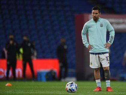 Lionel Messi dejó atrás en goles a Batistuta y va por el récord de partidos de Mascherano (EFE)