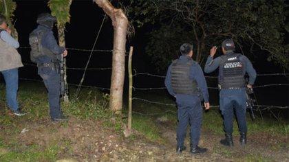 Alrededor de las 19:00 horas del domingo, autoridades locales de Cerro de Nanchital reportaron el hallazgo de 12 cadáveres en un camino rural cerca del pueblo El Amate (Foto: Twitter/@LagarrapataS22)