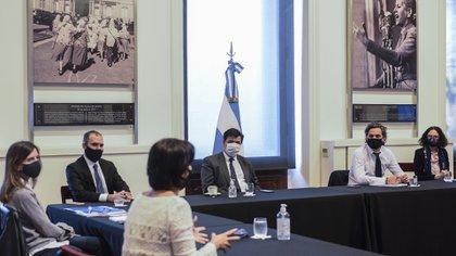 Los ministros del gabinete económico se reunieron este mediodía para discutir cómo sigue el ATP y el IFE, y qué pasará con el aguinaldo