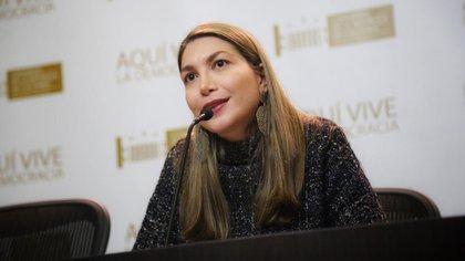 El posible conflicto de interés de la senadora del Centro Democrático que defiende el glifosato en Colombia