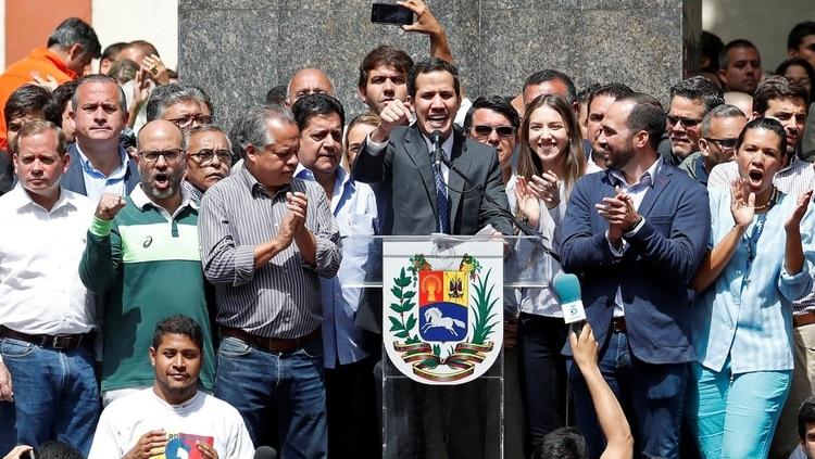Juan Guaidó habló ante una multitud en Caracas(REUTERS)