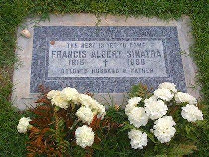 """""""Lo mejor está por venir"""", la leyenda en la lápida de Frank Sinatra"""