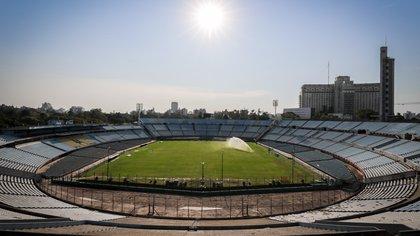 Panorámica del estadio Centenario el 20 de mayo de 2020 en Montevideo (Uruguay). EFE/Raúl Martínez/Archivo