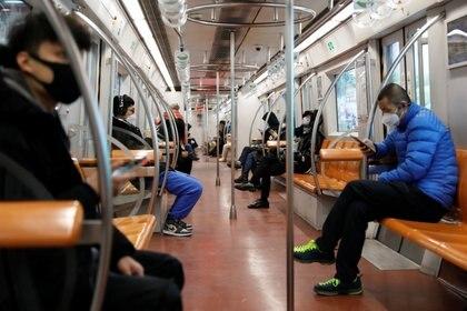 El transporte público en Beijing, mucho menos concurrido que lo habitual (Reuters)