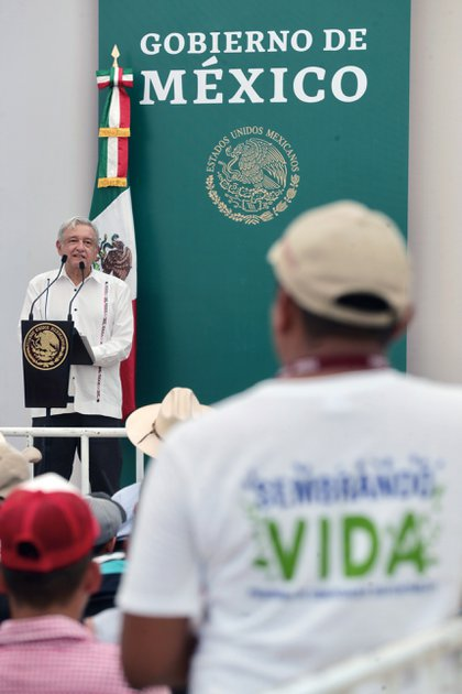 En Ixtapangajoya, Chiapas,  Andrés Manuel López Obrador asistió a la presentación de Sembrando Vida, Asamblea Ejidal, Ranchería Jana Primera Sección (Foto: Presidencia)