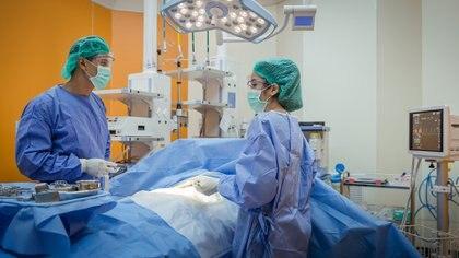 Si el fallecido no dejó constancia de que no quería donar sus órganos, para la ley es donante (Getty)