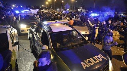 Las protestas de la fuerza policial bonaerense se hicieron sentir con fuerza en La Matanza (Gustavo Gavotti)