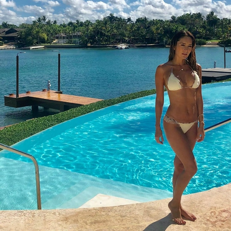 Así respondió Geraldine, en bikini, al escándalo desatado por su ex, Gabriel Soto (Instagram: geraldinebazan)