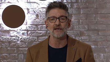 """Luis Novaresio volvió a la televisión con estrictos protocolos: """"Todos los que hacemos Debo Decir estamos hisopados"""""""