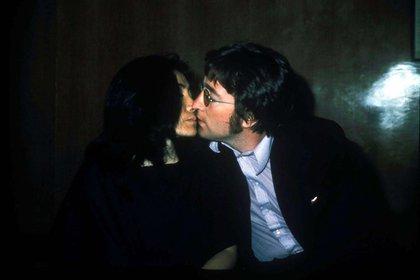 John Lennon iba a sacar un disco después de cinco años junto a su pareja Yoko Ono (Mediapunch/Shutterstock)