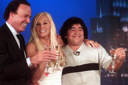 Con Julio Iglesias y Diego Maradona (Foto NA / Hernán España / DP Baires Out)