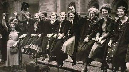 En 1911, Alemania, Austria, Dinamarca y Suiza celebraron el Día de la Mujer con mitines a los que asistieron más de un millón de personas, la inmensa mayoría, mujeres.