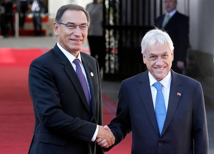 Martín Vizcarra y Sebastián Piñera expresaron su apoyo a Lenín Moreno (REUTERS/Rodrigo Garrido)
