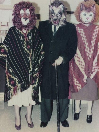Borges y Kodama, durante una fiesta de Halloween (María Kodama)