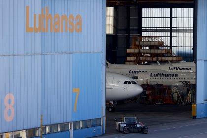 Aviones de Lufthansa en un hangar del aeropuerto de Frankfurt (REUTERS/Kai Pfaffenbach)