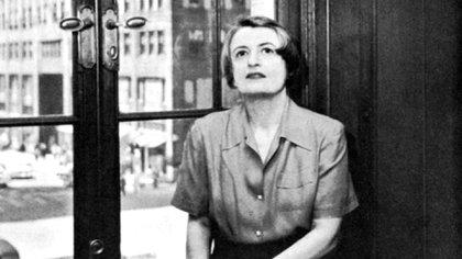 Alisa Zinóvievna Rosenbaum, mejor conocida como Ayn Rand, fue una filósofa y escritora estadounidense de origen ruso