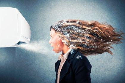 El estudio descubrió que la transmisión de gotitas fue provocada por la ventilación con aire acondicionado (Shutterstock)