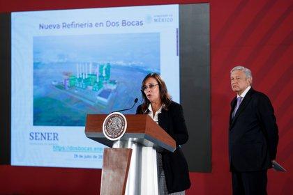 La secretaria de Energía, Rocío Nahle, indicó que lo publicado por Reforma se trata de una mentira (Foto: EFE/José Méndez)