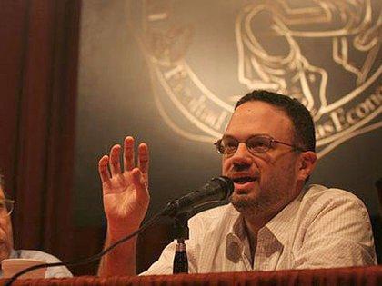 El asesor económico de Alberto Fernández, Matías Kulfas, sostuvo que la emisión monetaria es una opción disponible para financiar el déficit fiscal