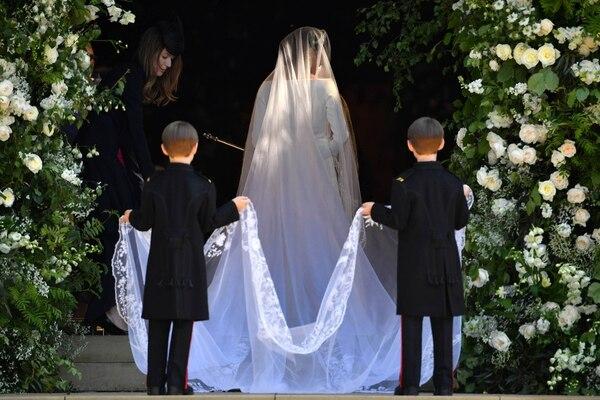 El velo con detalles bordados en encaje (AFP)