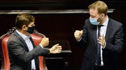 El gobernador Axel Kicillof y el presidente de la Cámara de Diputados bonaerense, Federico Otermin