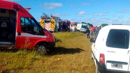 Los bomberos, el SAME y la Policía Científica trabajaron en el lugar (Municipio de Pinamar)