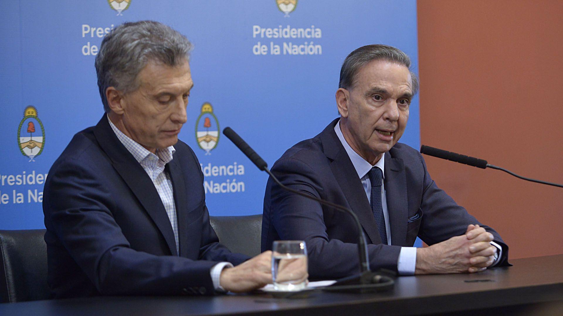 El presidente Mauricio Macri, y el candidato a vicepresidente, Miguel Ángel Pichetto (Gustavo Gavotti)