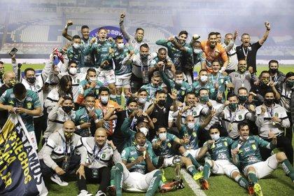 El argentino reconoció que los esmeraldas fueron el mejor equipo del torneo y en la cancha (Foto: Eduardo Verdugo/ AP)