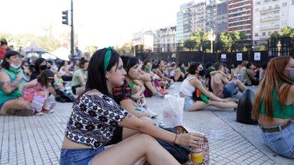 Militantes por el aborto legal se reunieron alrededor del Congreso (Catalina Calvo)