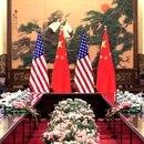 El jefe de estado chino, Xi Jinping, y el por entonces vicepresidente Joe Biden, en una foto de archivo de junio de 2016 (AP)