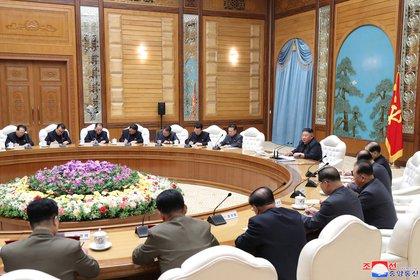 La reunión del buró político