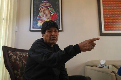 El ex presidente de Bolivia, Evo Morales, y el oficialista Movimiento al Socialismo (MAS) acusan a la OEA de golpe de Estado en las elecciones de 2019 (EFE/Martín Alipaz)
