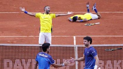 Colombia le ganó la serie a Argentina, que deberá jugar por la permanencia en la Copa Davis (Foto: EFE)