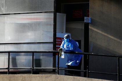 La pandemia de COVID-19 se ha propagado rápidamente, y este hecho fue pronunciado en las regiones templadas del hemisferio norte, coincidiendo con el invierno (REUTERS)
