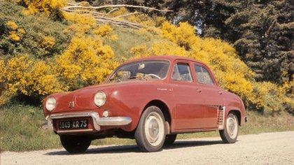 Al Renault Dauphine se le oxidaba rápidamente la carrocería.
