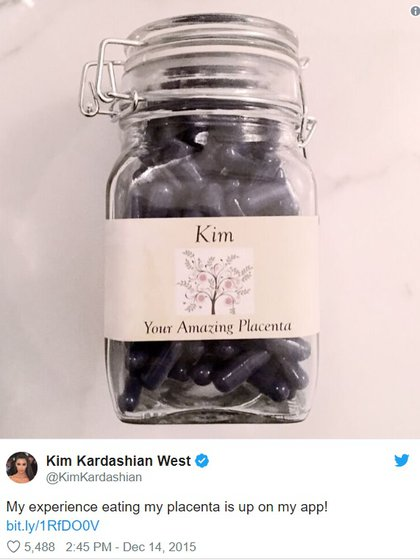 Las pastillas de placenta humana de Kim Kardashian (Foto: Instagram @kimkardashian)