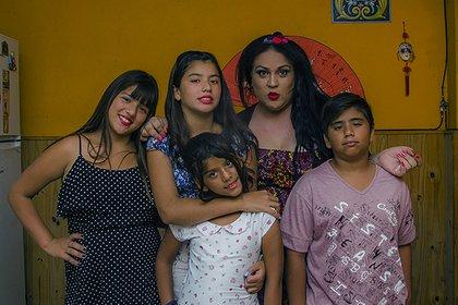 """Florencia y sus sobrinos. """"Somos una familia normal, con sus dimes y diretes, como cualquier otra"""""""