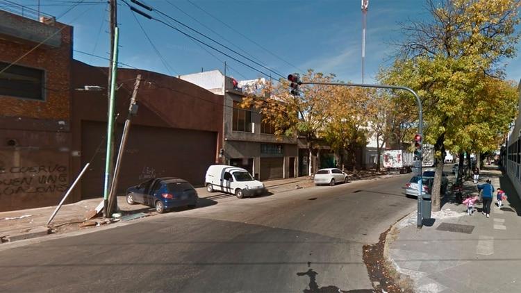 La cuadra donde le pegaron dos tiros en la cabeza a Albarracín (Google Street View)
