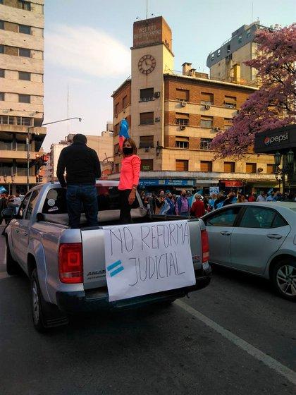 Una de las consignas de la marcha de ayer, fue rechazar el proyecto del gobierno para reformar la Justicia