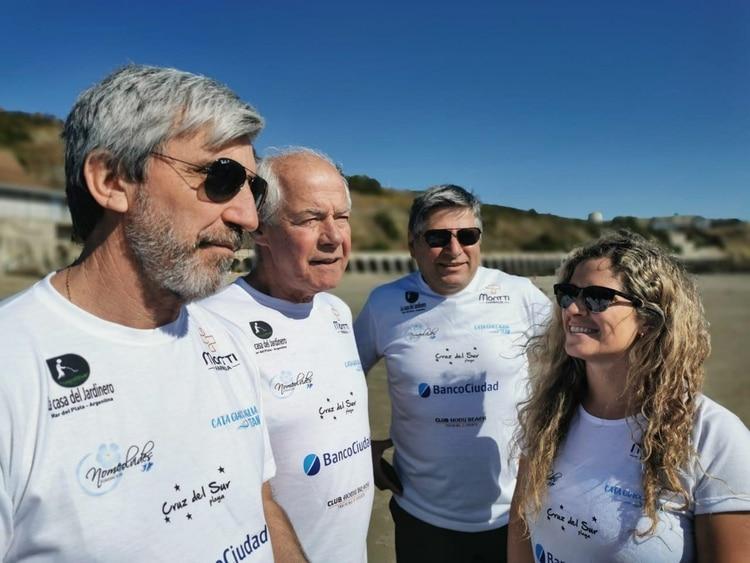 De derecha a izquierda: Catalina Giaccaglia, Celso Farias, Geoffrey Cardozo y Julio Aro