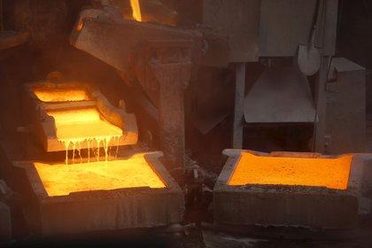 Foto de archivo. La planta de cátodos de cobre de ENAMI en Tierra Amarilla, cerca de la ciudad de Copiapó, al norte de Santiago, Chile. 15 de diciembre de 2015. REUTERS/Iván Alvarado.