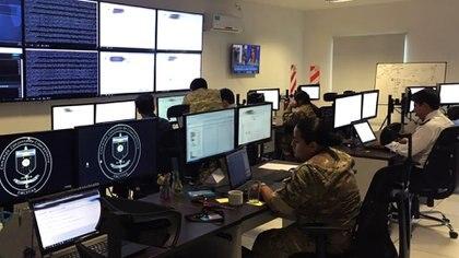 """""""Tratamos de implementar sistemas de defensa mediante la incorporación de tecnología muy novedosa. Incorporamos inteligencia artificial y pudimos lanzar y dar el kick-off del proceso durante el G-20"""", dice Parodi. / Foto: Archivo DEF."""