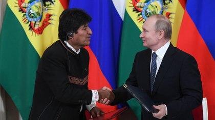 Evo Morales y Vladimir Putin durante una visita del presidente boliviano a Moscú. (AFP)