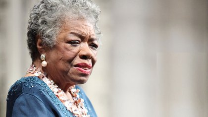 Maya Angelou fue una escritora, poeta y activista por los derechos civiles estadounidense. Publicó siete autobiografías, tres libros de ensayos y varios libros de poesía
