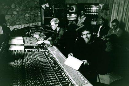 Branson en el estudio de grabación (Virgin.com)