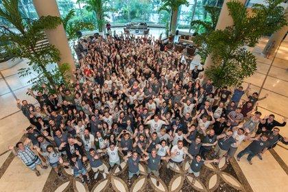 Parte del equipo de Auth0, en una reunión anual de la empresa